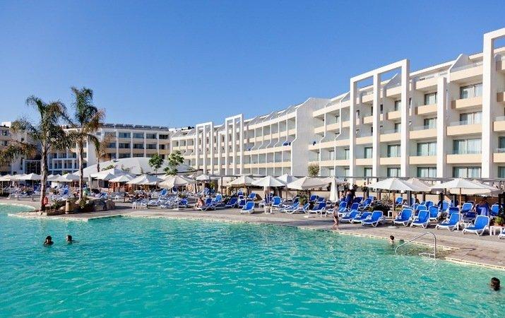 Db Seabank, Malta